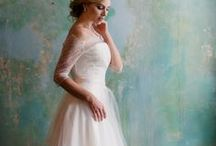 Bride style / Lovely brides, gorgeous dresses and style inspiration galore!