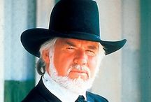 "Kenny Rogers / Kenneth Ray ""Kenny"" Rogers (n. Houston, Texas, 21 de agosto de 1938) es un cantautor y actor estadounidense."