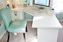 Stunning Home Offices / Gorgeous spaces that'll inspire you to get ready to rock your work-from-home day.