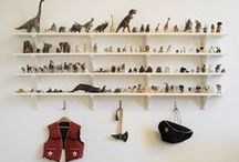 Mini: Bookshelves & Closets / by Bee @ Hellobee