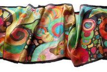 Ajándék nőknek / Kézzel festett selyem kendők, sálak - ajándék, aminek minden nő örül! Adj egyedi selyem alkotást ajándékba női szeretteidnek, barátaidnak.