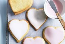 Valentine's Day Crafts / Show your sentimental side with a hand from your little helpers with some easy peasy craft and cookery gifts!
