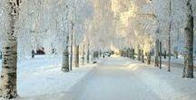 Winterliches / Winterfotos zwischen Frost und Wärmendem. Glitzerndes und Schlichtes. Alles irgendwie mit Eis und Schnee. Vom Sonnenaufgang bis zum Sonnenuntergang, in sanften und in intensiven Farben. Landschaften in epischer Weite oder mit Blick auf Details. Bizarre Formen, Spiegelungen und mehr.  Fotokunst und LandArt, Makrofotografie und Weitwinkel. Und ein bisschen mit Advent und Weihnachten ab und an. Einladung zum Einkuscheln vor dem Betrachten!