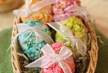 Easter Popcorn / Egg-cellent popcorn ideas for a popping Easter! (See what we did there?!)