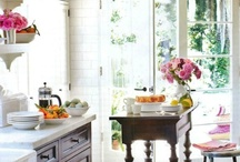 Home: Kitchens / by Ashley Mathein