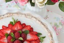 Raw Valentine's Day / by Brad's Raw Foods