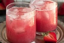 Drinks in the Garden / These recipes will give you something to sip while you're relaxing in your garden! www.meadowsfarms.com