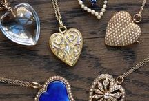 The Jeweled Gift Guide / Beautiful antique and vintage jewelry for a special gift or to treat yourself.
