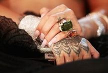 Fashion & Jewels / The perfect match! Antique and vintage jewelry matched with catwalk and street style fashion.