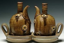 Ceramics: Bottles and Ewers / by Kelly Daniels