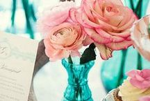 Spring Wedding Ideas / Spring is the perfect time for a wedding! Everything awakens from the winter and new life begins!