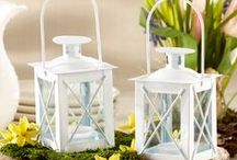 Summer & Beach Themed Favors / Summer is the perfect time for relaxing and unwinding. Why not bring that essence of summer to your big day? Sounds great to us.