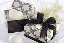 Black & White Favors / Classic, elegant, and chic, Black & White always give a timeless and sophisticated feel to any event. Find the perfect favor for your Black & White party here!