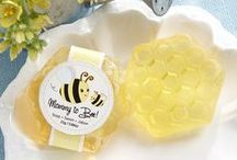 Cute as can BEE Baby Shower / The classic Bee design is a bright cheery way to decorate your baby shower in the Spring/Summer months. Fun, playful and gender neutral, this theme will have everyone buzzing!