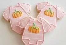 Little Pumpkin Baby Shower / Cute Theme for a Fall baby shower for your Lil' Pumpkin on the way! We have collected our favorite gifts, favors, and decor inspiration!