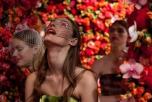 Incredible Installations / We are absolutely amazed by these incredible floral art installations, including walls created out of all flowers!