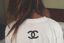 {jeans & T-shirt}