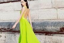 mode . style / Idées de look pour un style confortable et féminin. Le projet de la capsule wardrobe est toujours en cours et se confronte à mes envies de glamour