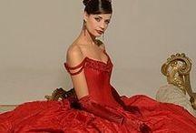 Pretty Dresses  / by Christine Beirouty