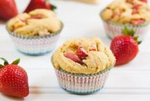 Muffins & Cupcakes / Find the best vegan muffins, cupcakes & doughnuts your little sweet heart desires