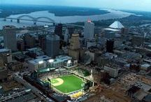 Memphis / Everything you need to eat, drink and do in Memphis, Tennessee.