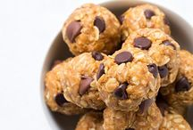 Energy Balls and Bars Inspiration / Recipes for energy bites and bars