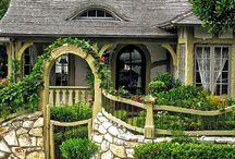 Cottages and Gardens / by Jennifer Van Tankeren