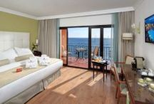 Fuerte Hoteles Exclusive / With our Exclusive offer you can enjoy a bit of personal treatment. Why not take advantage of privileged Wi-Fi access, relax in some of the finest rooms all with a sea-view, and enjoy the Lounge reserved for our Exclusive guests