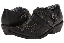 Fashion: Shoes & Boots