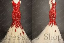 Gowns and Dresses / by Jill Myers