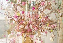 VINTAGE CHRISTMAS INSPIRATION / Love the pinks and whites