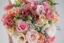 {wedding . bouquets}