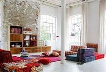 Reading Rooms To Die For / Gorgeous rooms made for curling up with a good book and luxuriating in the joy of reading.