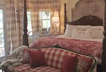 Interiors: Bedrooms & Closets / by Gwen Crivello