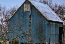 Beautiful Barns / by Homespun Cabin