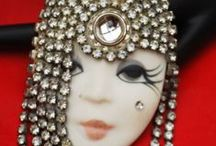 Brooches / vintage brooches