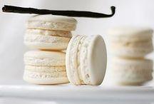 Baking: Macarons / by Jolanda van Pareren
