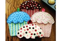 Sewing/Crafts- Kitchen / by Melissa Byrne
