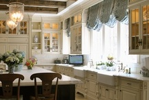 Kitchens / by Arell Olson