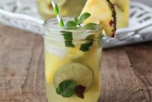 Food: Drinks / Drink recipes and presentation ideas.