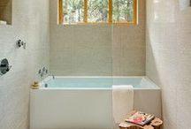 Home: Bathroom / by Inness Pryor