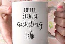 Mug / Que ce soit pour boire un expresso serré, une soupe instantanée ou une tisane à la camomille votre mug est votre meilleur ami. A la maison ou au bureau, votre mug ne vous quittera plus !
