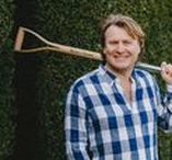Kent & Stowe Garden Tools / I'm delighted to announce that I will be working with Kent & Stowe to help demystify the world of garden tools. We'll be working together to offer helpful advice to new gardeners & those looking to improve their own gardening experience with the right equipment for the job.