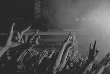 Festival, konsertene, musikken, menneskene / Magien, kjærligheten og musikken. Festivaler og konserter.