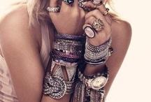 Fashion Tres Chic / by Alexa Ahlers