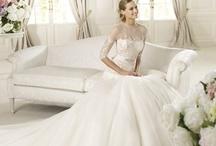 Wedding Dresses / by Wedding Thingz