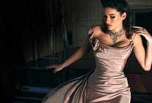 Gorgeous Gowns / by Roberta Weisberg
