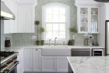 Kitchens / by Carrie Thayer