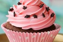 Cupcakes! / by Heather Bossio