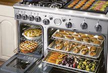 dream home: kitchen / by Nikki Boyd